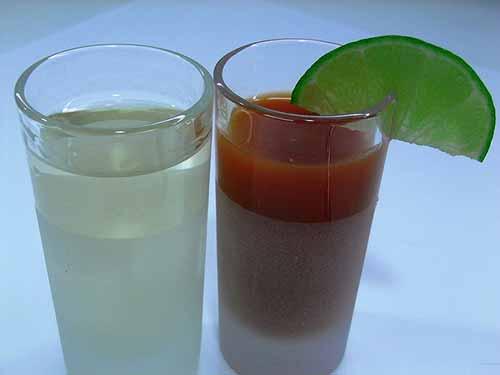 Prueba el tequila tradicional con sangrita