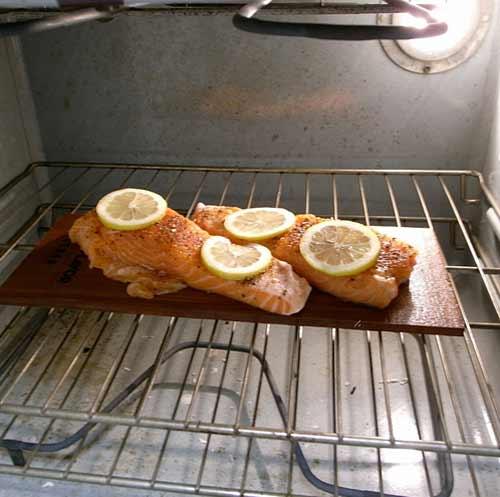 Salmón al horno en horno convencional (horno de la estufa)