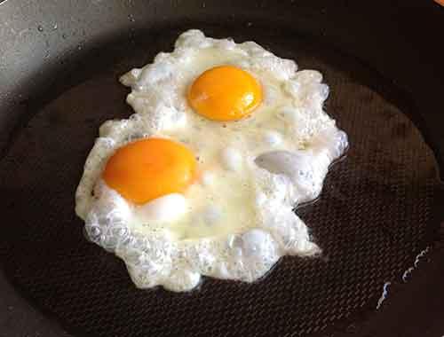 Fríe los huevos a tu gusto