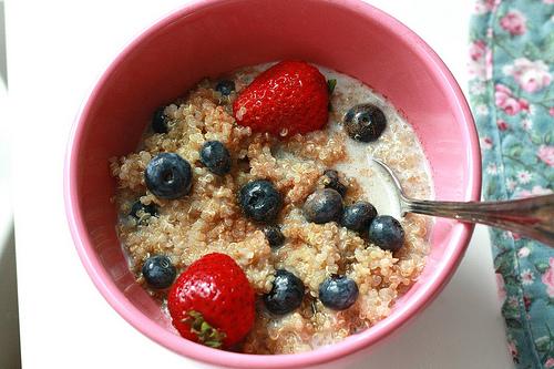 Quinoa con leche y frutas