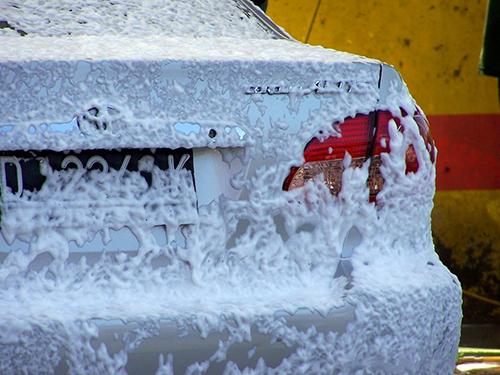 Lava bien tu carro