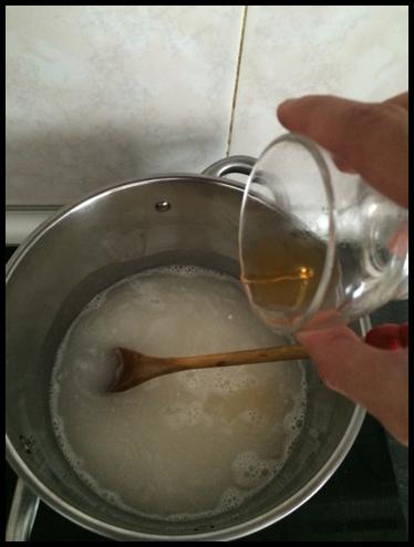 Agrega el vinagre