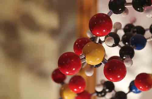 Cómo calcular la masa atómica