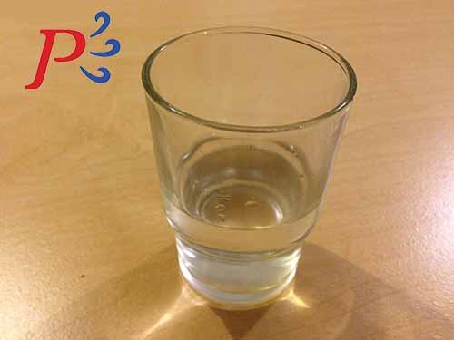 Llena un vaso con agua caliente