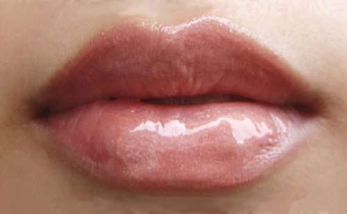 Mantén tus labios bien hidratados