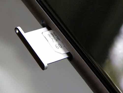 Revisa la ranura de la tarjeta SIM