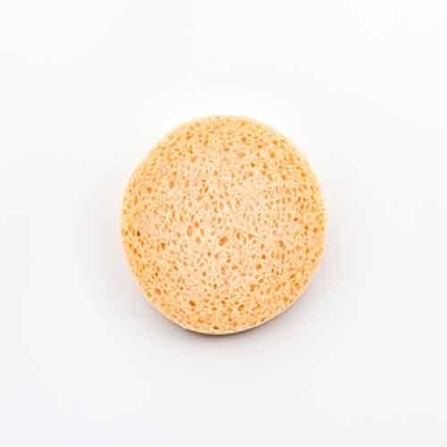 Exfóliate la piel diariamente con un exfoliante suave